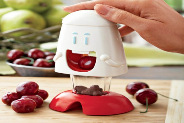 cherry-chomper-kitchen-gadget